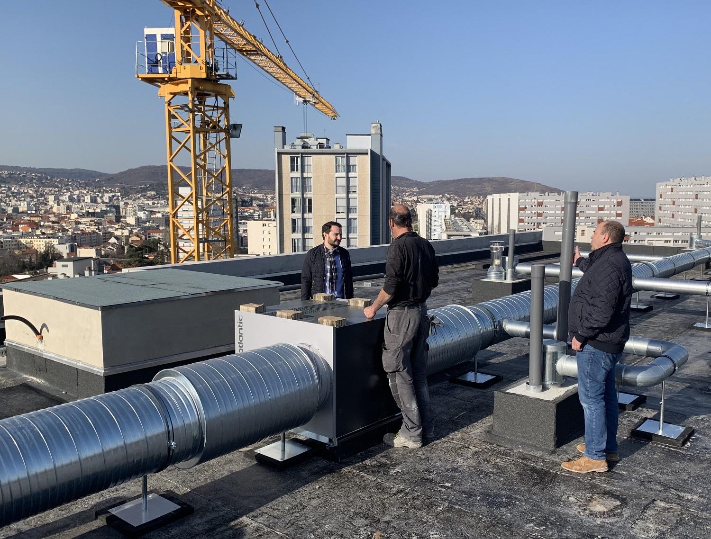 20-Février-2019-M.-Chambareau-au-cours-de-la-réunion-de-chantier-sur-la-toiture-terrasse-de